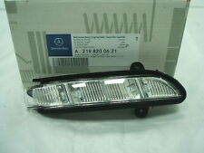 Genuine Mercedes-Benz CLS E-Class RH Indicator repeater Lamp A2198200621 NEW