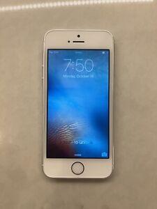 Apple iPhone 5s - 16GB - Silver (Unlocked) A1533 (CDMA + GSM) Rare iOS 9.2.1