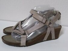Teva Ysidro Universal Wedge Sandals Taupe Leather US 9 EUR 40