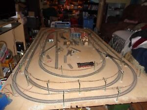 Märklin  Tracks,Overland Masts,Wire for Layout 4 x 8 Feet(see list in pictures)
