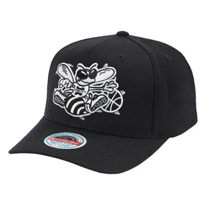 Charlotte Hornets Mitchell & Ness NBA Black & White Classic Red Curve Snapback H