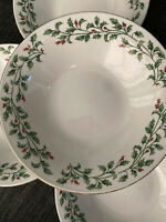 """Set of 4 Crofton Holly and Berries Soup Cereal Bowls 7 1/2""""  Holiday Christmas"""