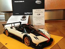 AUTOart 1:18 Pagani Zonda R ( White Color ) With Italian Stripes - Very Rare !!!