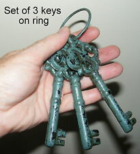 Set of 3 Keys on Ring - Cast Iron Metal Old Style Ornament Aqua Teal - DK14