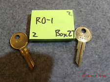set of 2 key blanks RO-1