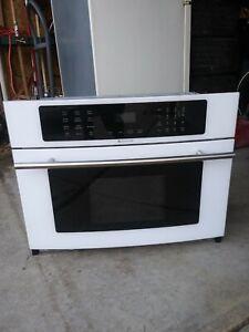 Jenn-air Built-in Microwave/White/Glass Front/JMC8130DDW/New