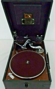 His Master's View Gramophone working