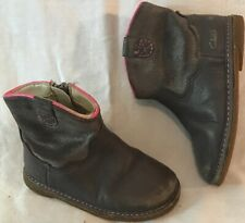 Girls Clarks Brown Leather Lovely Boots Size 5.5F 1000ww)