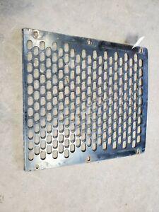 JOHN DEERE T149397 Grille 300D, 310D Backhoe Loader
