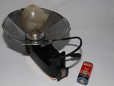 ACCURA FLASH UNIT - Vintage- includes 4 bulbs. Suitable for 35mm older cameras