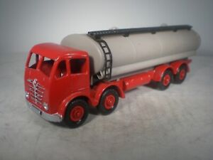 Dinky Toy Foden 8 Wheel Tank Truck #504