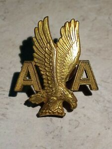 AMERICAN AIRLINES VINTAGE SENIOR STEWARDESS  HAT EAGLE GOLD  PIN 1950'S- 60'S