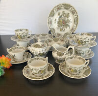 Ridgway Staffordshier England Winsor Dinnerware Set 37 Pieces