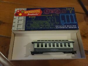 Roundhouse HO Scale Overton Coach Central Pacific #3705 Model Train Car