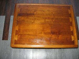 Vintage Lane Mid Century Modern Solid Oak dove tail end table model 0900-05,