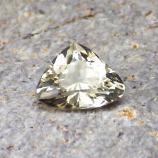 Gold Oregon Sunstone 2.12Ct Flawless-Trillion Cut-For Schmuck