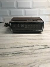 Vintage GE Flip Number AM/FM Radio Alarm Clock 7-4305D