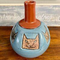 Vintage art pottery vase by Norwin Bracamonte San Juan de Oriente Nicaragua