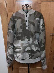 Cabela's Camo Wool WindShear Waterfowl Hunting Sweater Gear Size XL