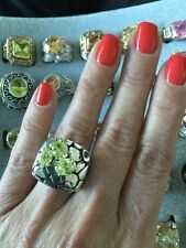 """NEW Gorgeous """"Look of Fine"""" Designer Inspired Hammered Ring Lime Green CZ Size 7"""