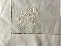 """VINTAGE White Whitework Butterfly Embroidery Table Centre 16 X 24"""""""