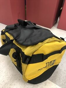 The North Face Golden State Duffel Waterproof Bag size Medium mustard yellow nwt