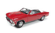 1966 Chevrolet Chevelle Christmas Car rot 1:18 Auto World Ertl AMM1041 red Chevy