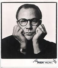 Robert Wilson - Portraitaufnahme, signiert 1993.