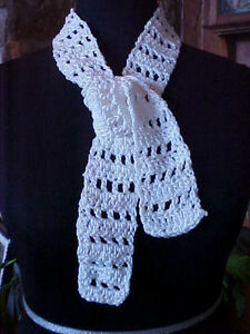 "Neck Scarf Childs Baby Hand Knit White 2 1/2"" x 45"" Poly Blend String Tie Effect"