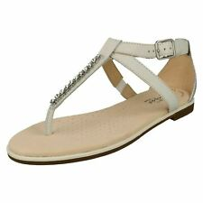 Clarks Bay Poppy Leather Toe Post Sandal