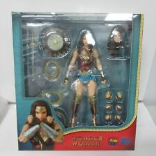 DC Wonder Woman Mafex #048 Action Figure Box Damage #3