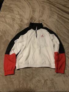 Jordan AJ4 Men's Lightweight Jacket Small White/Black-University Red DD0394-100
