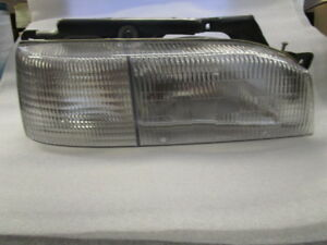 1992-1994 Hyundai Excel, Passenger side headlight with bracket