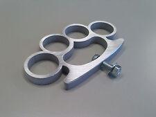 Maniglia design TiraPugni Brass Knuckles in alluminio lucido