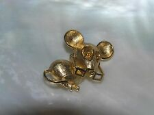 Vintage Small Avon Marked Goldtone Mouse w Movable Glasses Pin Brooch – signed