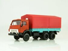 Scale model truck 1:43 KAMAZ-5320 red / turquoise