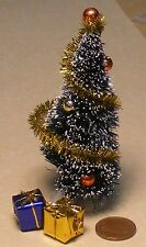 1:12 Scale Small Decorated Christmas Tree & 2 Loose Presents Tumdee Dolls House