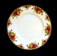 Beautiful Royal Albert Old Country Roses Dinner Plate