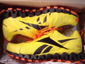 Reebok ZigWild Zig Tech Trail Shoes; Size 10.5, 44 Eur