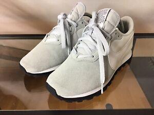 Sneaker Nike Swoosh 41 hellgrau / weiß