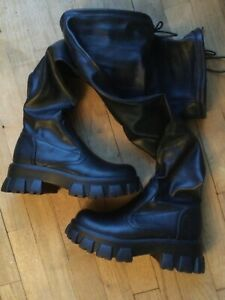 MUDD woman over knee leather like chunky stretchy boots size 7.5M