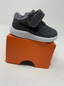 BABY BOYS: Nike Revolution 4 Shoes, Gray - Size 2C 943304-005