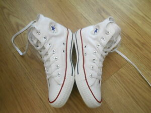 CONVERSE CHUCK TAYLOR ALL STAR HIGH TOP TRAINERS  SIZE UK 4
