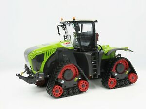 Wiking Claas Xerion 5000 Trac TS Tractor with Tracks 1:32 Scale Model 02558500