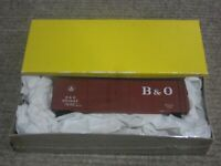 Accurail HO Scale 40 Foot Baltimore & Ohio (B&O) Double Door Steel Box Car Kit