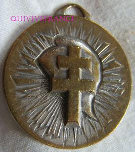 BG7233 - insigne badge RASSEMBLEMENT POUR LA REPUBLIQUE - POLITIQUE