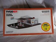 TYCO KIT MODEL #7757B EXXON STATION GOES GREAT WITH US1 TRUCKING NEW HO SCALE
