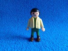 Playmobil Niño con chaleco beige pantalon verde Boy beige cardigan green trouser