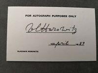 Vladimir Horowitz Autograph Autogramm auf Karte signiert (14,6 cm x 9 cm)