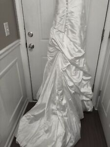 Allure  Vintage draped White  Wedding  Dress .Long Gown  with  train  Size 7- 8